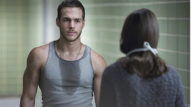 chris-wood-as-jake-riley-containment