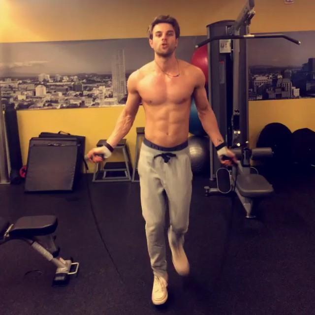 Nathaniel-Buzolic_topnudemalecelebs_com-6