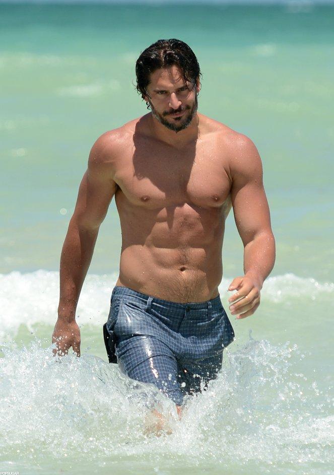 Joe Manganiello Shirtless in South Beach